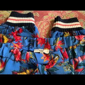 Easel floral jogger pants size Large